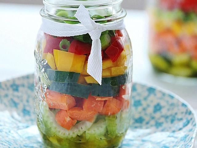 Easy Mason Jar Salad Recipe