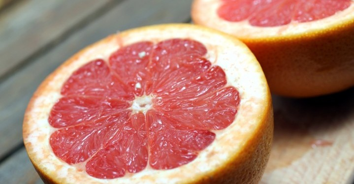 Grapefruit to detoxify the body