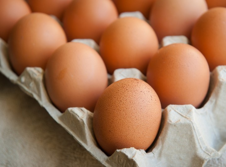 eat whole eggs to help you lose weight faster