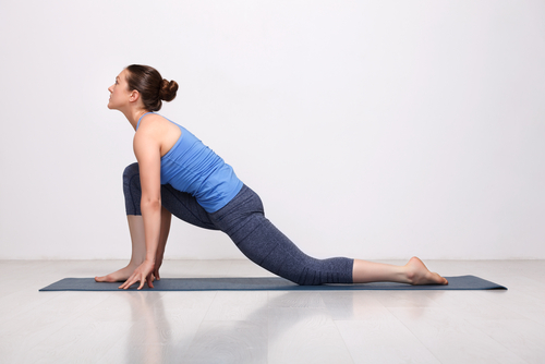 lunge basic yoga pose for beginnres
