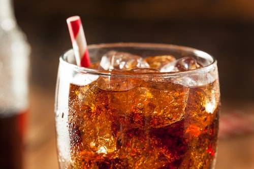 eliminating sugary drinks from the diet can reduce belly bloat
