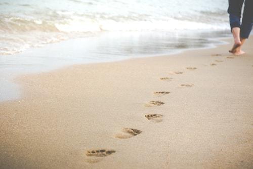 walking while traveling to lose weight