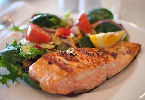 salmon and veggies healthy dinner